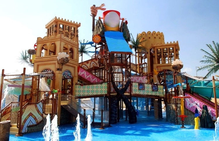 "аквапарк в Абу-Даби ""Yas Waterworld"""