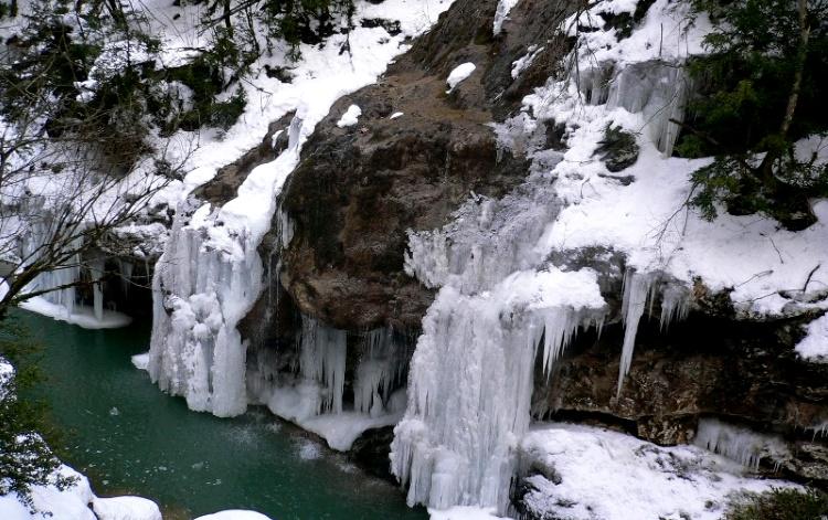 плато Лаго-Наки термальные источники