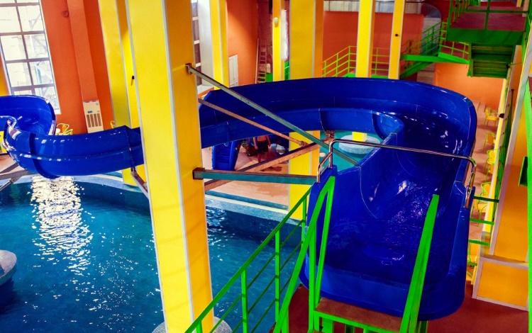 аквапарк Караганды «Дельфин».