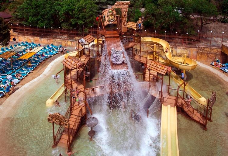 аквапарк-отель «Атлантида» Ялты