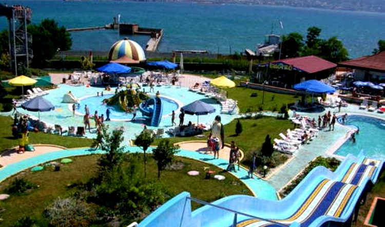 Новороссийский аквапарк